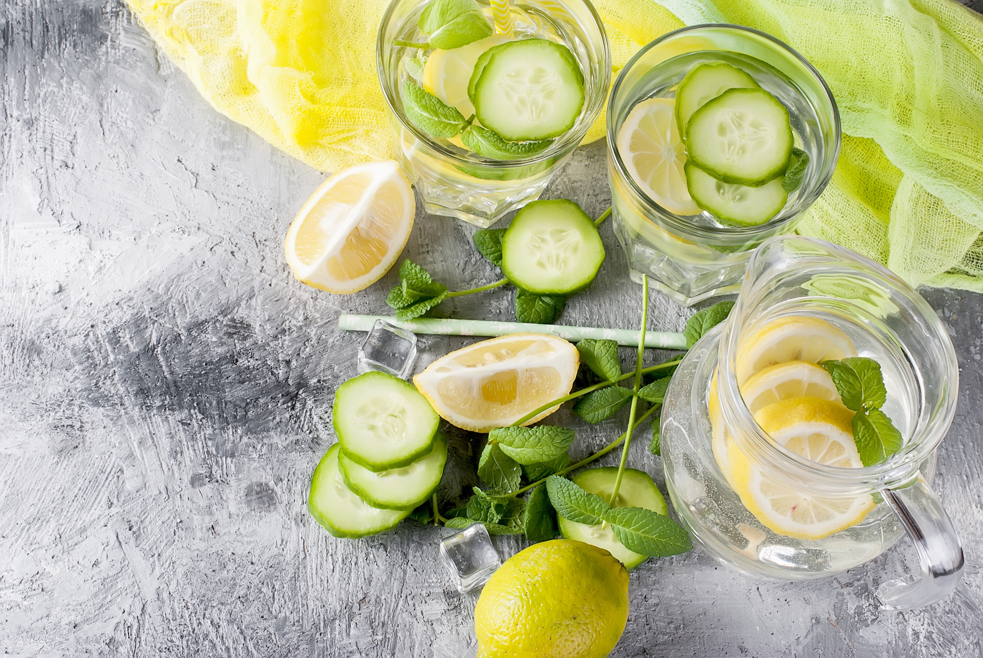 Detox water with lemons